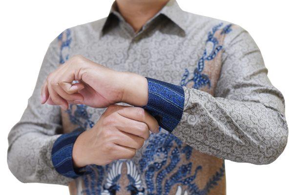Images Kemeja Batik Semi Sutra Formal Abu